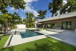 1-Night Miami, Villa Balinese