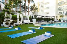 3-Nights Cadillac Hotel & Beach Club, Autograph Collection